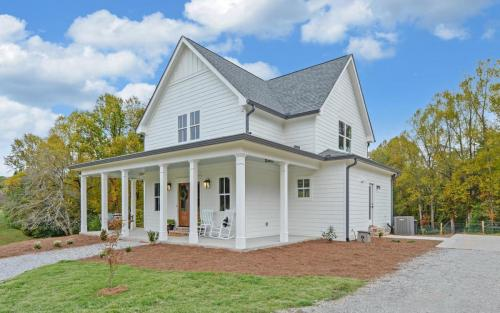 FARMHOUSE-large-039-004-Front Side-1500x938-72dpi